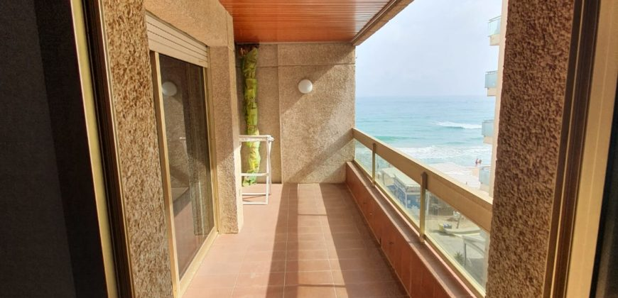 Small flat with sea views